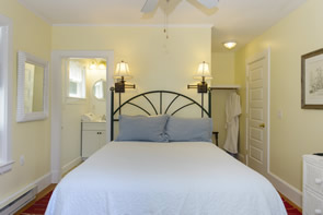 Tisbury Room - furnished with antiques and a queen size bed