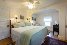 Chilmark Room, Clark House Inn Vineyard Bed & Breakfast